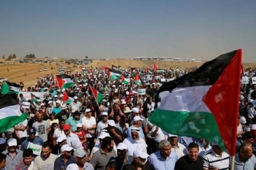 """غزة تستعد لجمعة """"المقاومة خيارنا"""""""