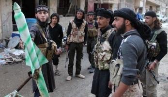 سوريا.. تمديد الهدنة في حمص..وفرار الالاف جراء المعارك بين النصرة وداعش في دير الزور
