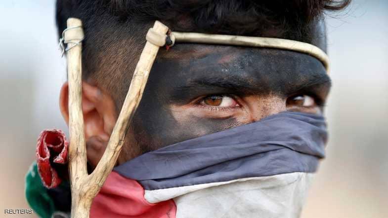 إضراب وتظاهرات فلسطينية.. وصافرة تجسد سنوات النكبة