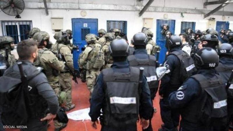 """اقتحامات إسرائيلية جديدة للسجون.. وعمليات تعذيب في """"النقب"""""""