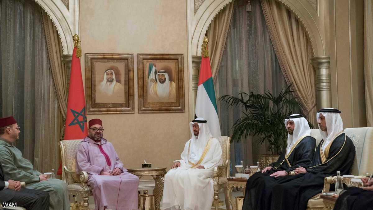 محمد بن زايد يبحث مع ملك المغرب القضايا الإقليمية والدولية
