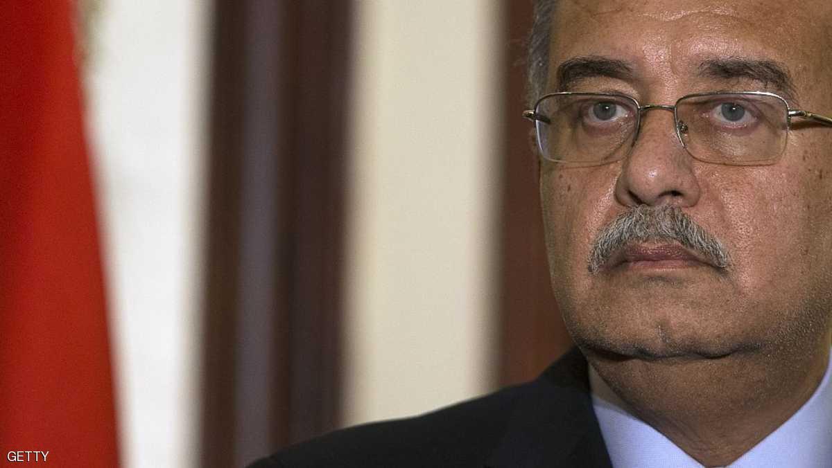 رئيس وزراء مصر يغادر للعلاج.. والسيسي سيعلن قائما بأعماله