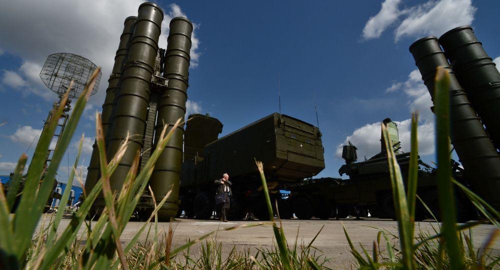 """المعلم: """"إس-300"""" سلاح دفاعي يجعل سوريا والمنطقة أكثر أمنا"""