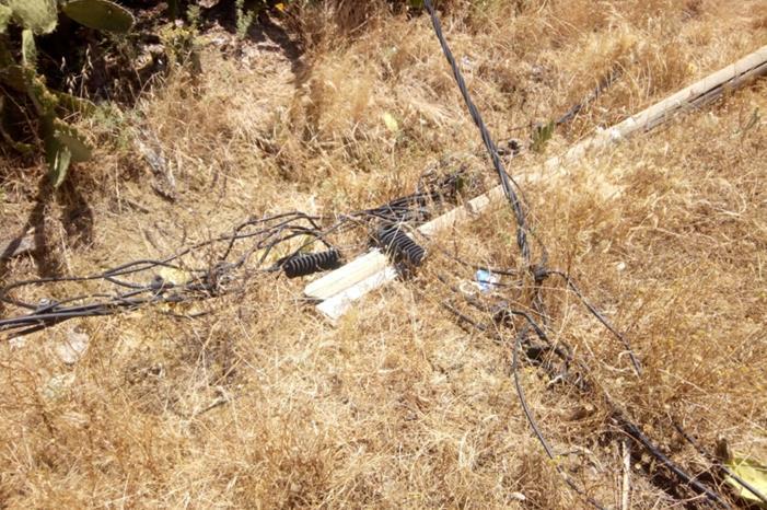 أسلاك كهربائية تهدد حياة مواطنين ...