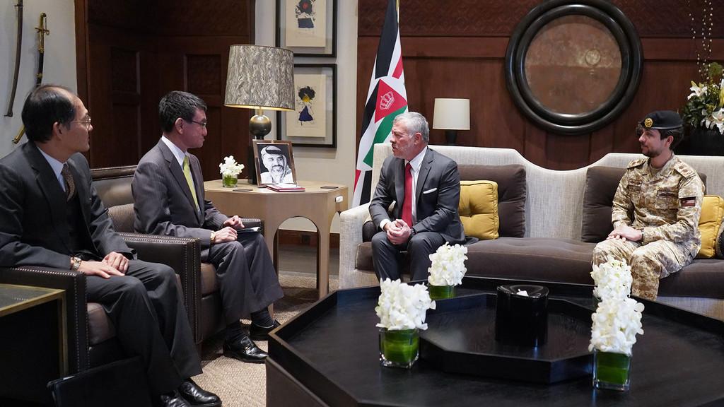 جلالة الملك عبدالله الثاني يلتقي وزير الدفاع الياباني