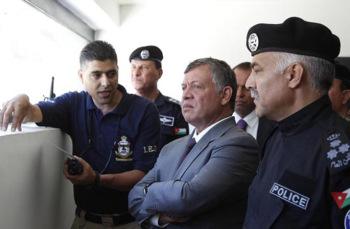 الملك يزور مديرية الامن العام ويفتتح مبنى الأمن الوقائي