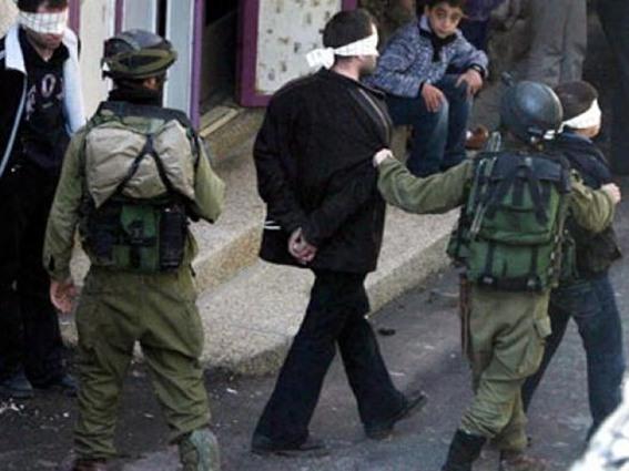 بالأسماء- قوات الأحتلال تعتقل 14 فلسطينياً بعد حملة مداهمات في الضفة المحتلة