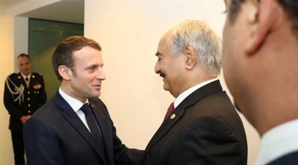 الرئيس الفرنسي إيمانويل ماكرون يدعو قائد الجيش الليبي المشير خليفة حفتر لزيارة فرنسا