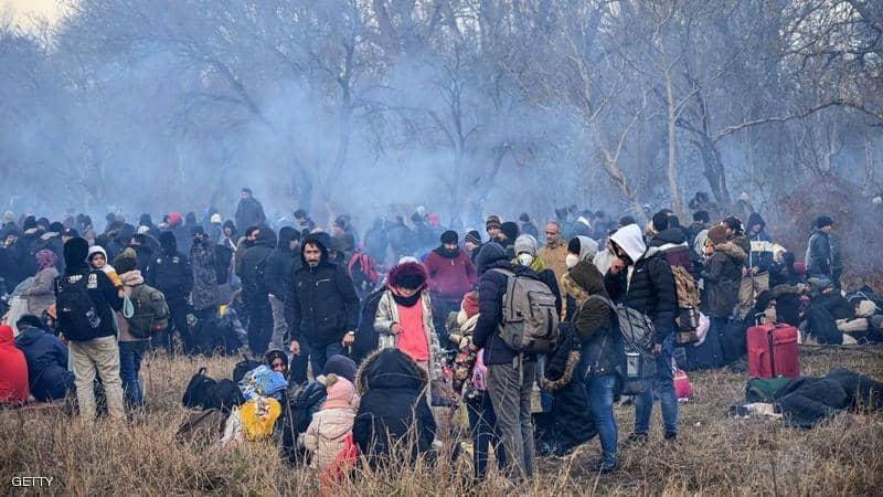 اليونان: نواجه تهديداً خطيراً بسبب تجمع المهاجرين على الحدود