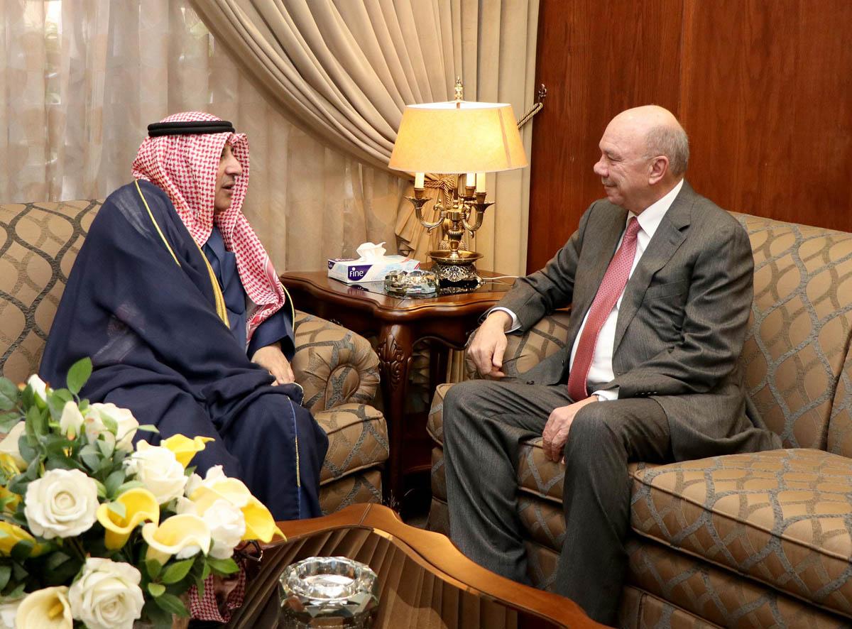 الفايز يبحث مع السفير الكويتي سبل تعزيز العلاقات الثنائية