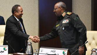 حمدوك ينعى وزير الدفاع السوداني الراحل جمال الدين عمر