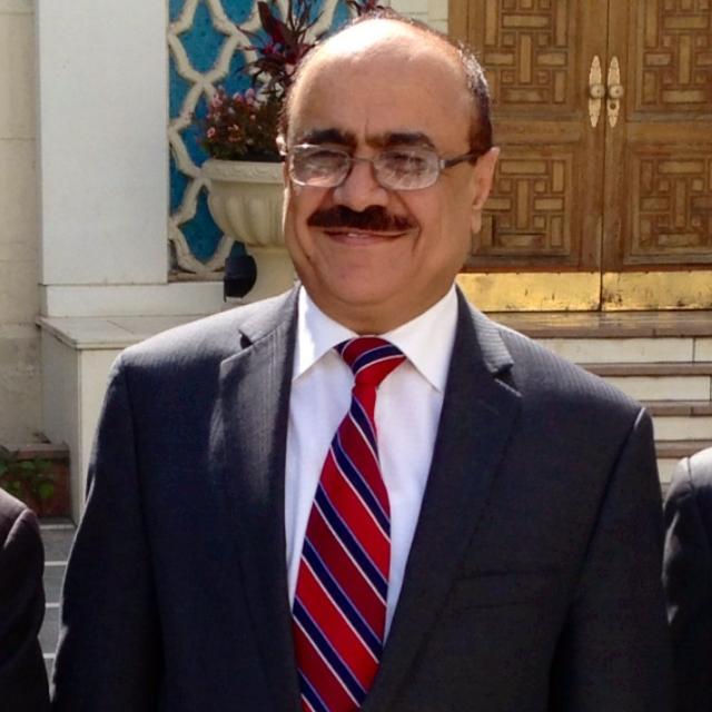 السفير اليمني يؤكد ترحيب بلاده بتصنيف الحوثيين كمنظمة ارهابية