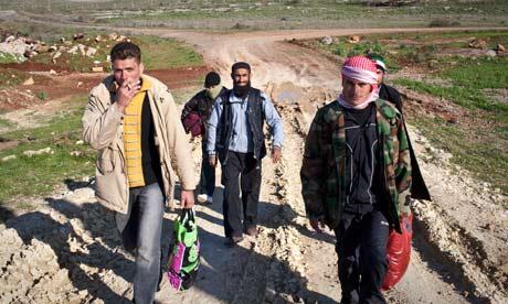 فرار ضباط سوريين إلى تركيا ليلا