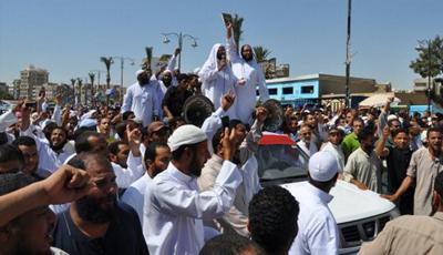 """""""معركة الدستور"""" بين الإسلاميين والقضاة في مصر"""