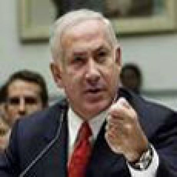 هروب نتنياهو الى غرفة محصنة بعد قصف تل أبيب