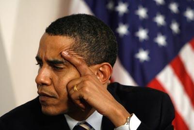 اوباما يعود لواشنطن وسط تشاؤم من الهاوية المالية