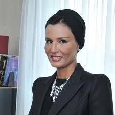 موزا بنت ناصر المسند.. أتختفي عن المسرح؟