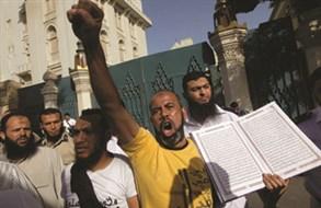 سلفيو مصر يفاجئونها و«يمزّقون» الأيديولوجيا