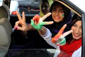 إيران.. غضب ضد نساء غير محتشمات على الشاشة