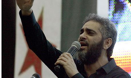 فضل شاكر.. من شعلة الغناء اللبناني إلى السلفية