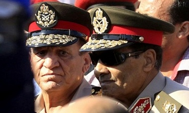حرب الجنرالات على رئاسة مصر: عنان تحت المراقبة