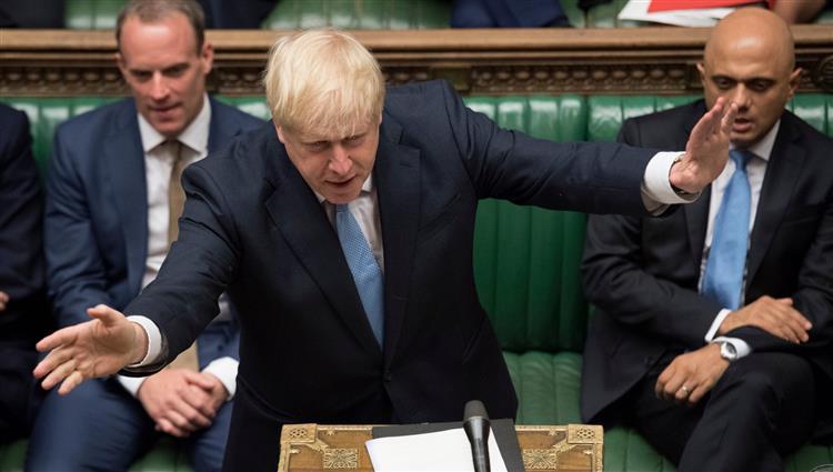 جونسون يتّهم النواب الرافضين لـ بريكست بـ التواطؤ مع بروكسل