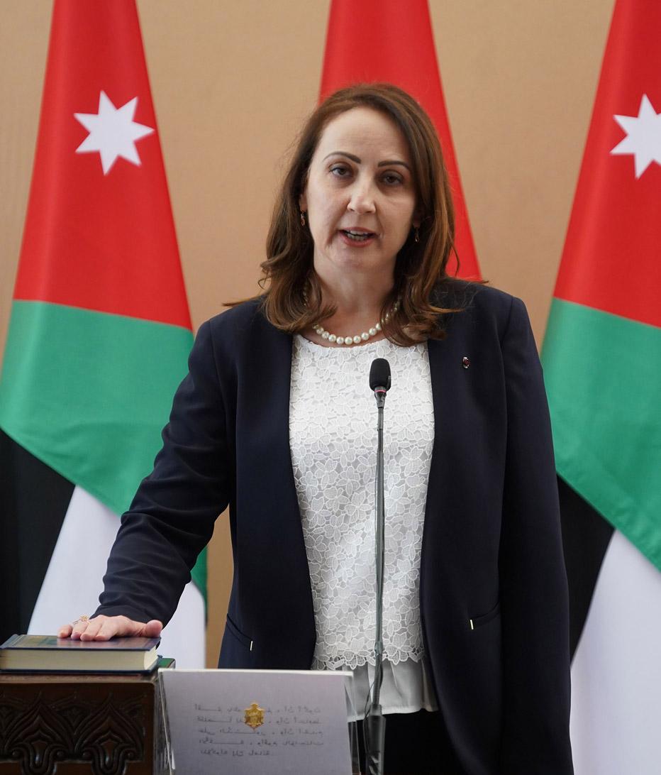 وزيرة الصناعة توعز بتشديد الرقابة على إجراءات السلامة في المنشآت