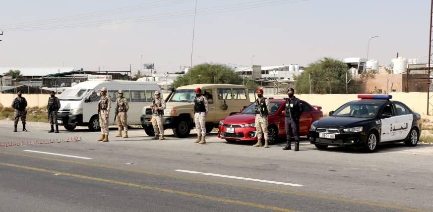 القوات المسلحة تواصل تنفيذ خطة فرض الحظر الشامل في المملكة