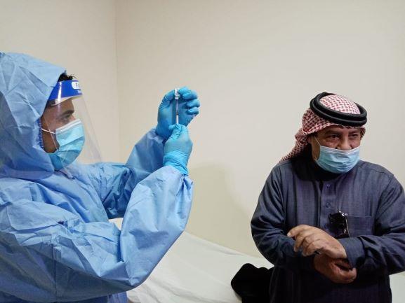 الخدمات الطبية تبدأ بتقديم المطعوم المضاد لفيروس كورونا بالمستشفيات التابعة لها