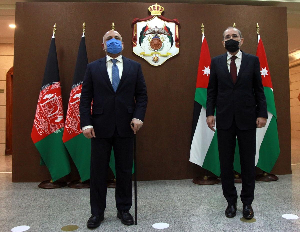 وزير الخارجية يجري مباحثات مع نظيره الأفغاني