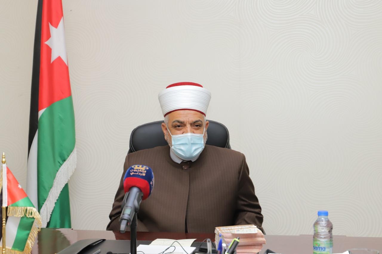 وزير الأوقاف يرعى اليوم الخيري في لواء القويسمة