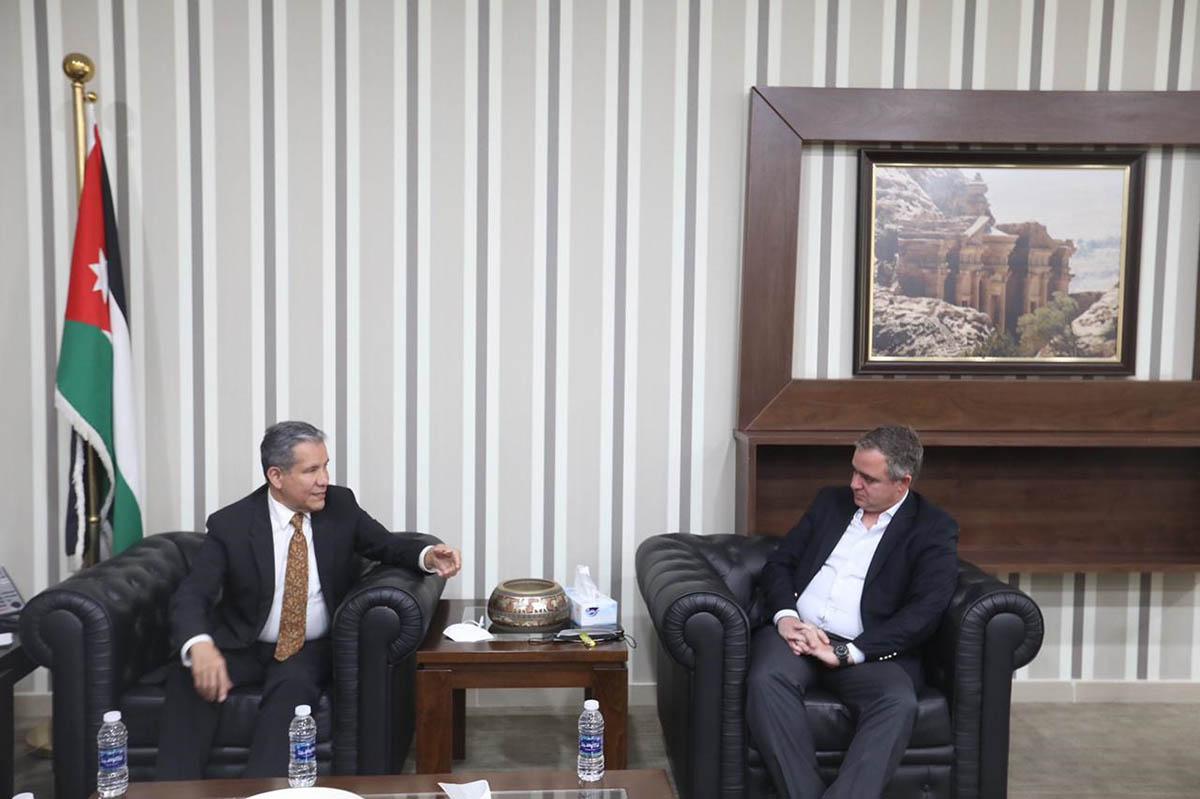 وزير الشباب يلتقي السفير المكسيكي