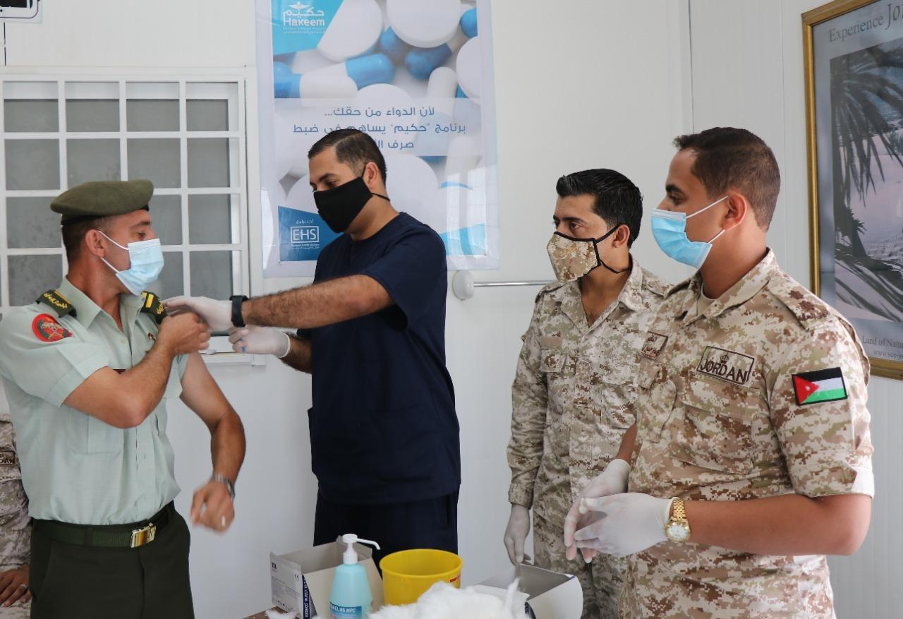 القوات المسلحة تواصل حملة التطعيم لمرتباتها ضد كورونا