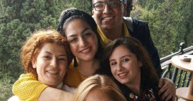 صور لنجل قيادى إخوانى مع فتيات أتراك تقلب موازين الجماعة بعد وقائع الشذوذ