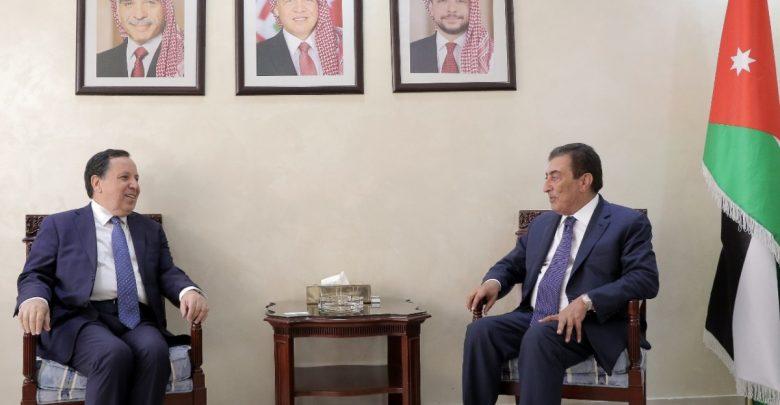 الطراونة ووزير خارجية تونس يؤكدان أولوية صدارة القضية الفلسطينية