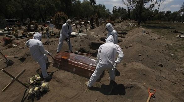 أكثر من 920 ألف وفاة بكورونا في العالم