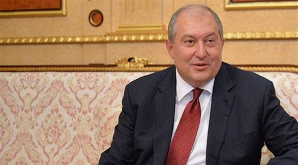 نقل الرئيس الأرمني المصاب بكورونا إلى مستشفى في لندن