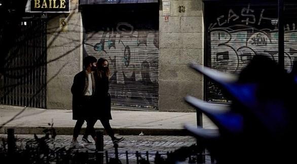 مدريد تشدد الإغلاق مع ارتفاع حالات الإصابة بكورونا