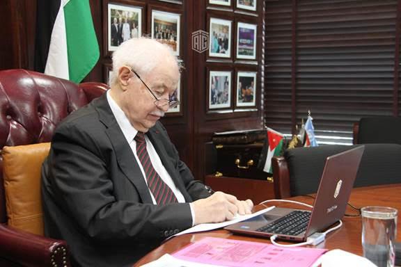 أبوغزالة يدعو إلى تعزيز الثقافة الرقمية لمواجهة التحديات المستقبلية