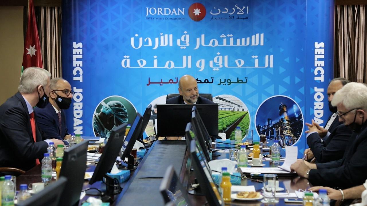 الرزاز: الإستثمارات التي إستقطبها الأردن خلال جائحة كورونا تعكس الثقة به وبإقتصاده
