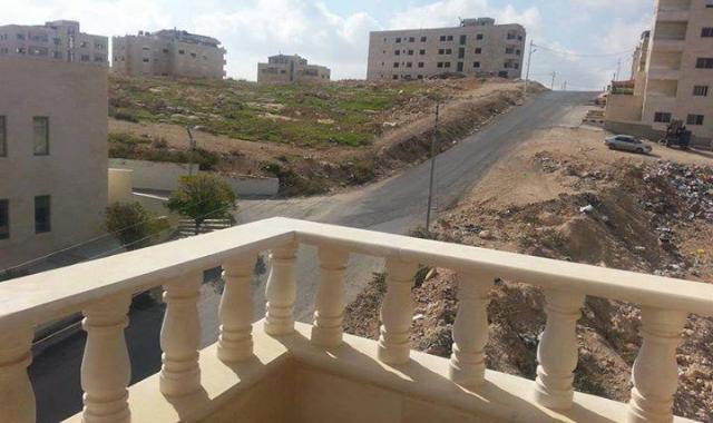 شارع يهدد حياة مواطنين في عمان