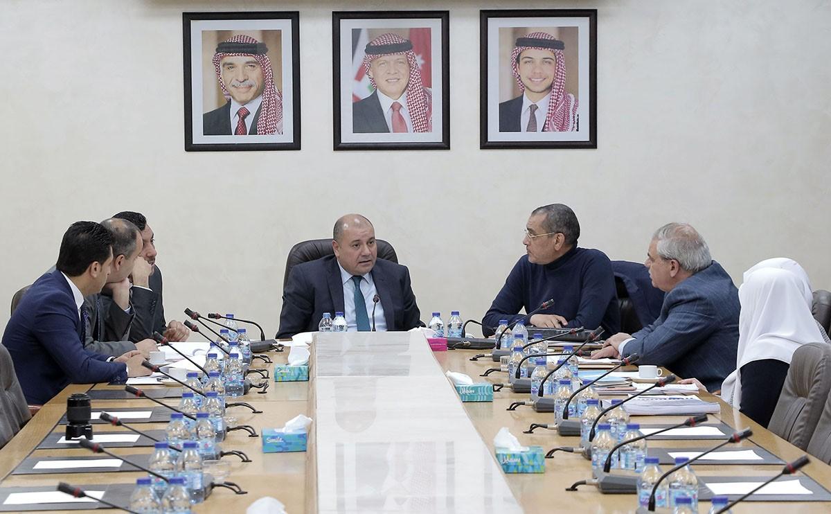 لجنة النواب القانونية تشرع بإقرار مواد النظام الداخلي للمجلس