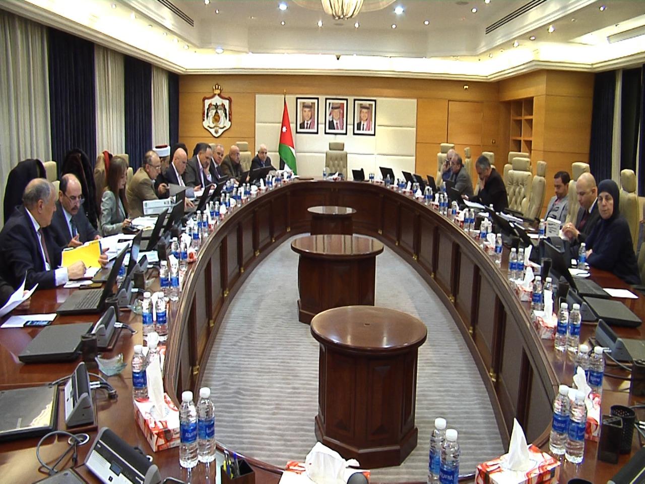 مجلس الوزراء يقرّر تخفيض ضريبة المبيعات على 61 سلعة أساسيّة