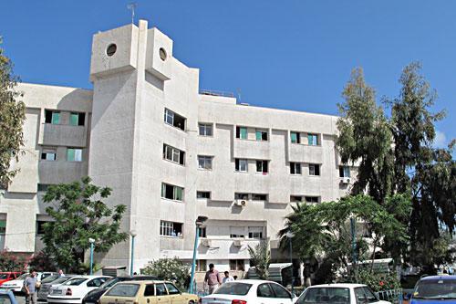 نقل الناشط الشبابي محمود رجب إلى المستشفى جراء تعرضه للتعذيب في سجون المخابرات
