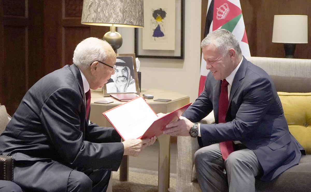 جلالة الملك يتسلم دعوة من الرئيس التونسي لحضور القمة العربية في آذار المقبل