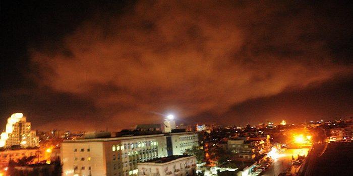 سانا: الدفاعات الجوية السورية تسقط صواريخ اخترقت أجواء حمص ودمشق