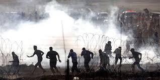 طائرة إستطلاع إسرائيلية تستهدف بصاروخ مجموعة شبان جنوب قطاع غزة