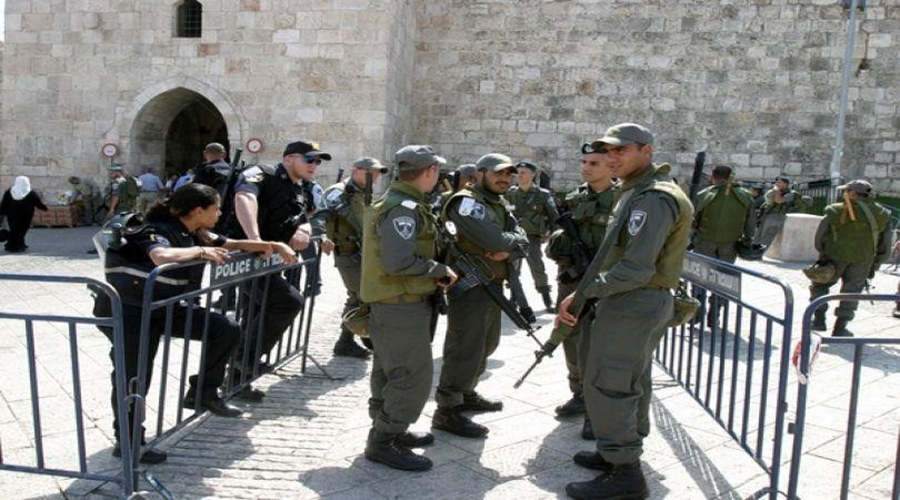 قوات الاحتلال الإسرائيلي تمنع المواطنين من الدخول للمسجد الأقصى