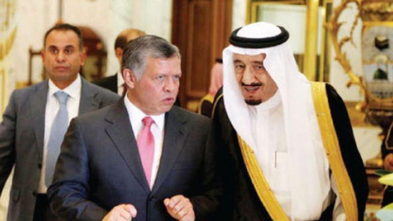 الملك يصل الى السعودية للمشاركة بالقمة العربية