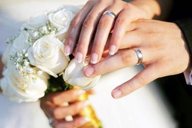 بشرى سارة للمتزوجين.. الزواج يقلل خطر الخرف